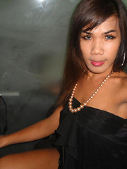 Ladyboy Nam is ready for a night on Walking Street and sex - Asian ladyboys porn at Thai LB Sex