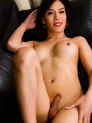 Meet Beautiful Janie! - Asian ladyboys porn at Thai LB Sex