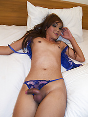 Pattaya Ladyboy is shaved for a bareback fuck - Asian ladyboys porn at Thai LB Sex