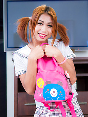 Backpack ladyboy babe Sunny - Asian ladyboys porn at Thai LB Sex