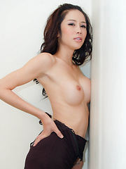 Asian shemale gets fucked and comes hard - Asian ladyboys porn at Thai LB Sex