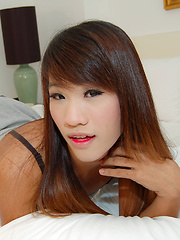 Teen ladyboy gets shoes and ass fucked