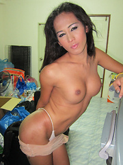 Freelancing Flashing - Asian ladyboys porn at Thai LB Sex