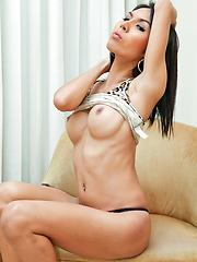 Experienced ladyboy hooker jerk in the nude - Asian ladyboys porn at Thai LB Sex