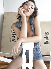 Moving Day Masturbation - Asian ladyboys porn at Thai LB Sex