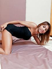 Hot tranny Yoyo jerks her ladyboy meet - Asian ladyboys porn at Thai LB Sex