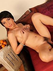 Ladyboy Food Insertions with Eamy - Asian ladyboys porn at Thai LB Sex