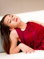 Red Velvet Vixen - Asian ladyboys porn at Thai LB Sex