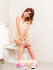 Pink Shoes Pink Glass - Asian ladyboys porn at Thai LB Sex