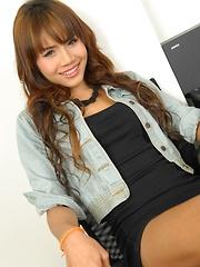 Top and Bottom Ladyboy Alisa - Asian ladyboys porn at Thai LB Sex