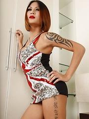 Ladyboy Benzey Union Jack Dress - Asian ladyboys porn at Thai LB Sex