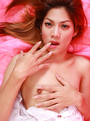 Photo Shoot Turns Sextastic - Asian ladyboys porn at Thai LB Sex